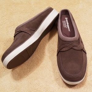 Grasshoppers Ortholite Cruise Suede Mules-Size 10